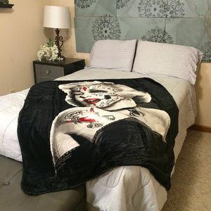 Marilyn Monroe Zombie SOFT sherpa blanket NEW